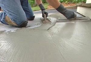 Cum torn un trotuar din beton?