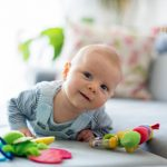 De-ce-este-importanta-joaca-la-bebelusi