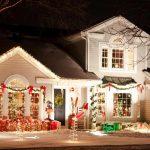 Iluminatul de Craciun: cum sa iluminezi gradina si casa